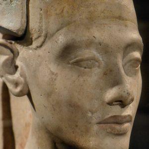 Amenhotep-IV-jeune-2